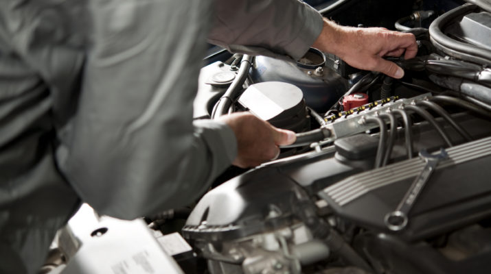Difference Between Electric Car And Normal Car Battery