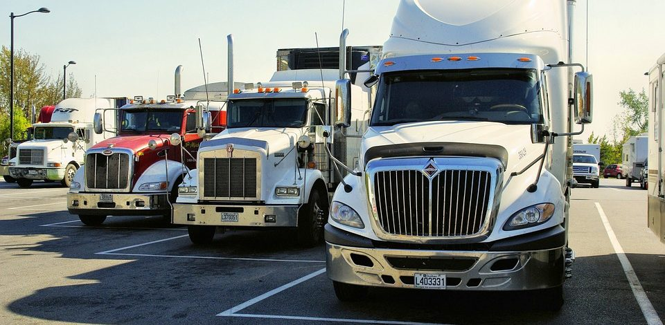 3 Tips for Truckers Looking to Stay Safe on the Road